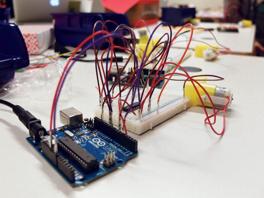 Scratch for Arduino: Laitteiden ohjelmointia Arduino-kehitysalustalla ja graafisella ohjelmointiympäristöllä